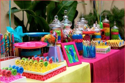 Infantiles con fuentes de colores bolsitas golosinas - Mesa dulce infantil ...